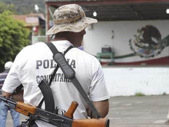 Desarman y requieren a autodefensas de Huetamo