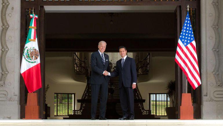 Biden ofrece disculpas ante EPN por campaña antimexicana de Donald Trump