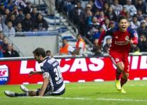 Chivas acabó con el invicto del líder Monterrey en su nuevo estadio
