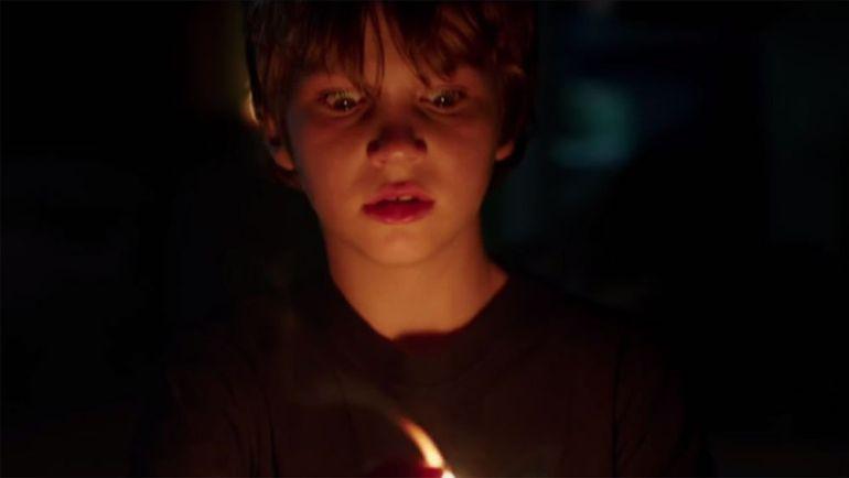 Lights Out, la cinta de terror que hará que le temas a la oscuridad