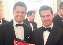 Enrique Peña Nieto saludó al Chicharito Hernández en su visita a Alemania