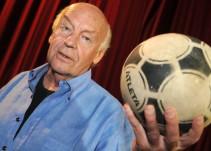 """Recordamos """"El fútbol a sol y sombra"""" de Eduardo Galeano a un año de su muerte"""