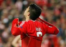 Gol de Raúl Jiménez no evita eliminación del Benfica. Barcelona también dice Bye