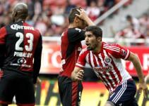 Chivas se lleva el Clásico Tapatío y saca a Cruz Azul de zona de Liguilla