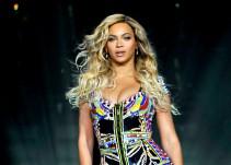 """Dos fans bailan a la perfección """"Single Ladies"""" junto a Beyoncé"""