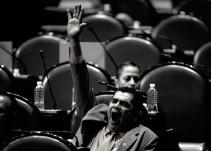 El 'coyotito', principal tarea de diputados y funcionarios, opinan niños
