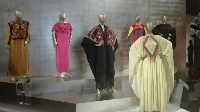 """""""El arte de la indumentaria y la moda en México, 1940-2015"""""""