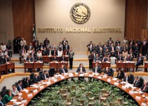 INE muestra blindaje del Centro de Cómputo para consultar padrón electoral