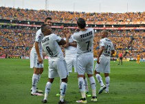 Monterrey casi liquida su pase a semifinales tras vencer 3-1 a Tigres