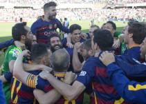 Un triplete de Luis Suárez ante el Granada le da su 24° Título de Liga al Barcelona