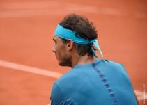 Rafael Nadal no podrá seguir en Roland Garros por una lesión en la muñeca