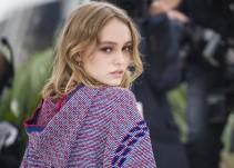 Lily-Rose Depp responde a las acusaciones contra su padre