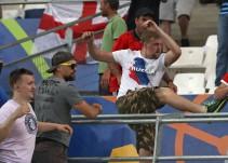 UEFA multa a Rusia con 168,000 dólares tras incidentes violentos en Marsella