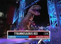 """Un T-Rex participando en """"American Ninja Warrior"""" es lo mejor que verás este día"""