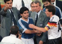 El día que Maradona también renunció a la Albiceleste tras una Final perdida