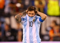 Maestra argentina le pide a Lionel Messi que no renuncie a la Albiceleste