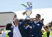 Cristiano Ronaldo dedica título de la Eurocopa a aficionados portugueses