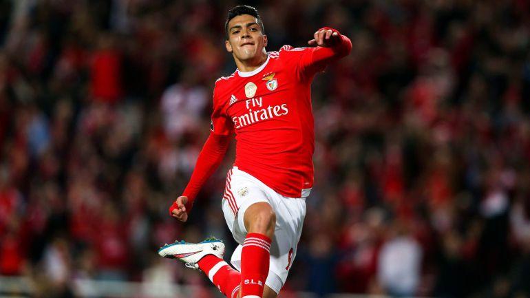 Raúl Jiménez se convierte en el fichaje más caro en la historia del Benfica