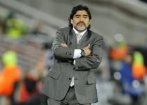 Diego Armando Maradona se ofreció para dirigir a la Selección Argentina