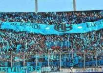 Aficionados argentinos se burlan de su rival con música del Chavo del ocho
