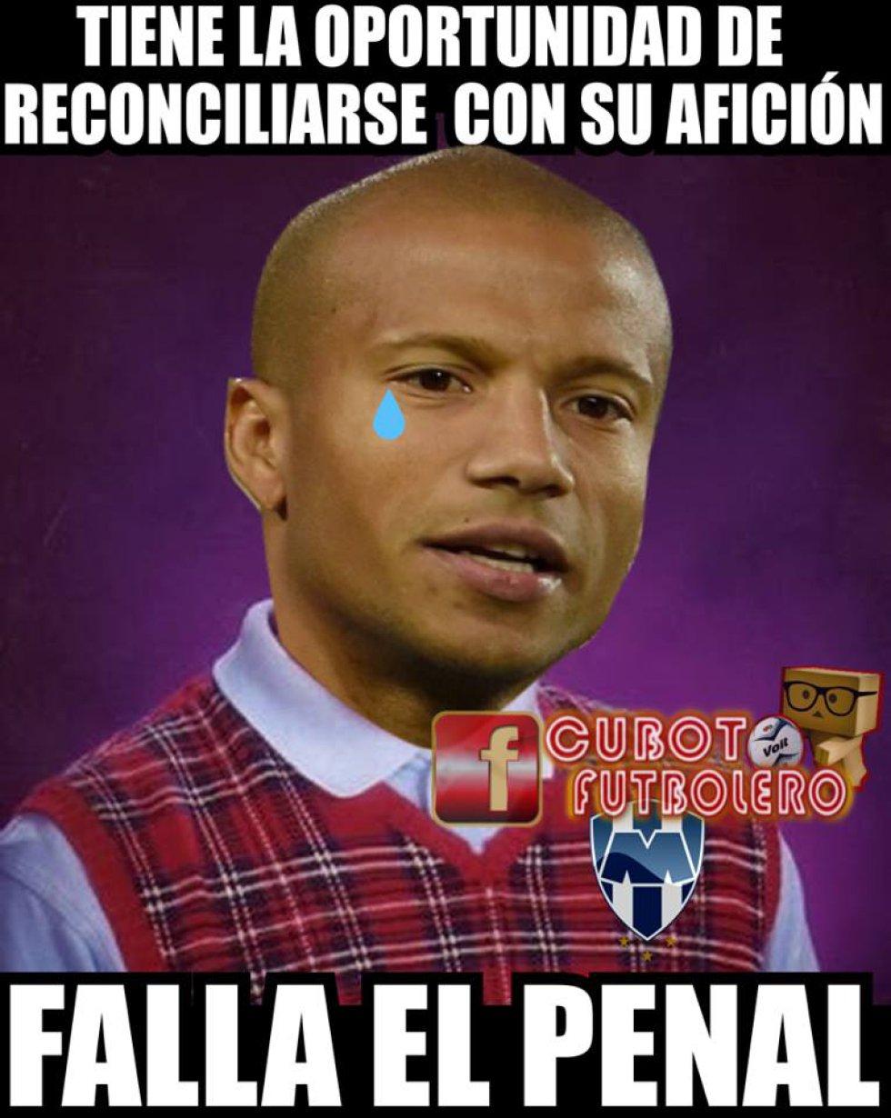 Los mejores memes de los dos penales fallados por Rayados ante la Máquina
