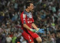 Santos asegura que el argentino Agustín Marchesín no está transferible