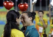Jugadora de rugby recibe tierna propuesta de matrimonio