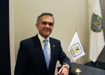 Prepara Mancera agenda internacional; asegura que no es campaña rumbo a 2018