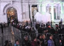 Continúan visitando Bellas Artes seguidores de Juan Gabriel