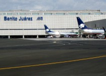Cierran cuatro horas el aeropuerto de la CDMX por desfile militar