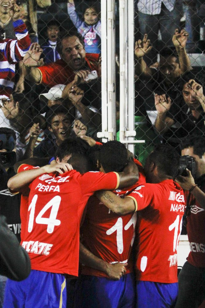 El gol de la Máquina sobre la Franja en aquel Clausura 2014 lo anotó Marco Fabián