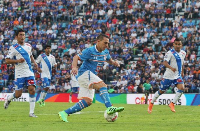 En la Jornada 10 del Clausura 2016, Cruz Azul y Puebla empataron 1-1 en la cancha del Estadio Azul