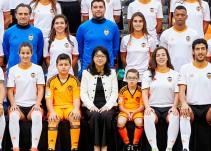 El Valencia incluye en su foto oficial a dos niños enfermos