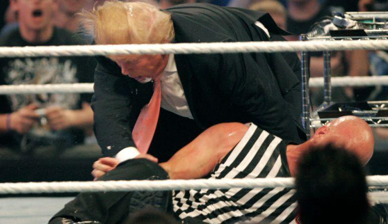 El día que Donald Trump fue puesto en ridículo en un evento de la WWE