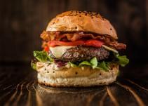 Lanzan hamburguesa en honor a Donald Trump