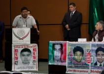 Padres de los 43 regañan y exigen a diputados intervenir para resolver el caso Ayotzinapa