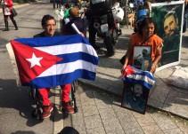 Cubanos y mexicanos se reúnen para despedir a Fidel Castro
