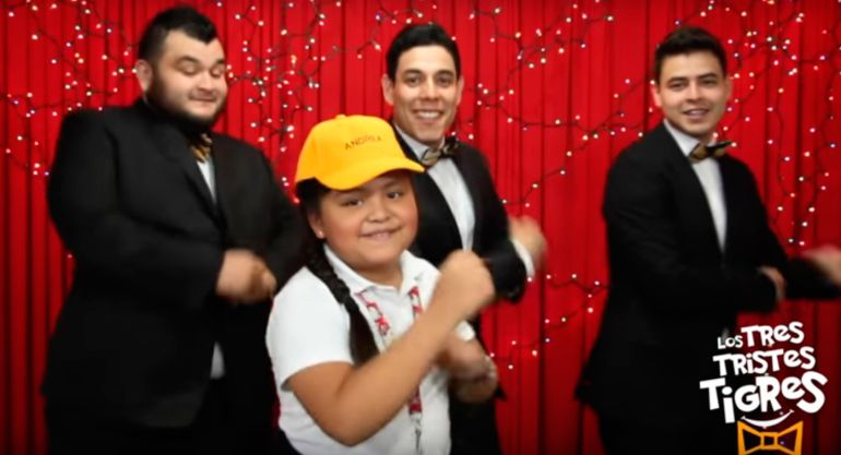 Niña que corrigió a Aurelio Nuño reaparece en video musical