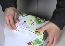 Con este truco podrás envolver tus regalos en 12 segundos
