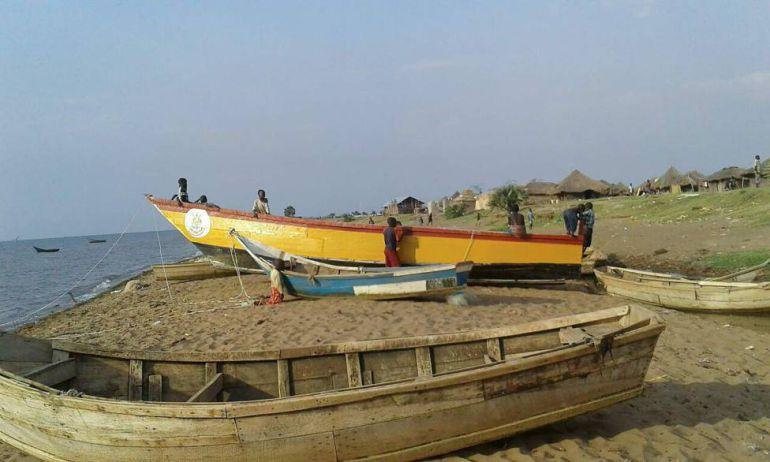 Mueren nueve personas al hundirse un barco donde viajaba un club de futbol