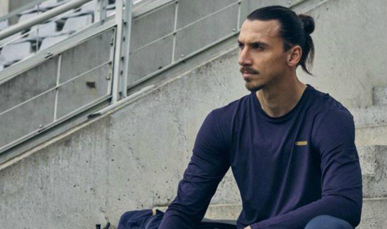 Zlatan Ibrahimovic se autorretrata como próximo Rey de Suecia