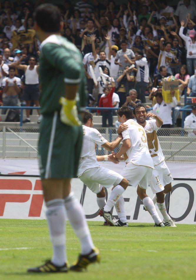 """El 8 de agosto de 2010, Pumas derrotó por última vez a Cruz Azul como local. Los goles de aquel 2-0 fueron obra de Marco Antonio """"Pikolín"""" Palacios y Javier Cortés"""