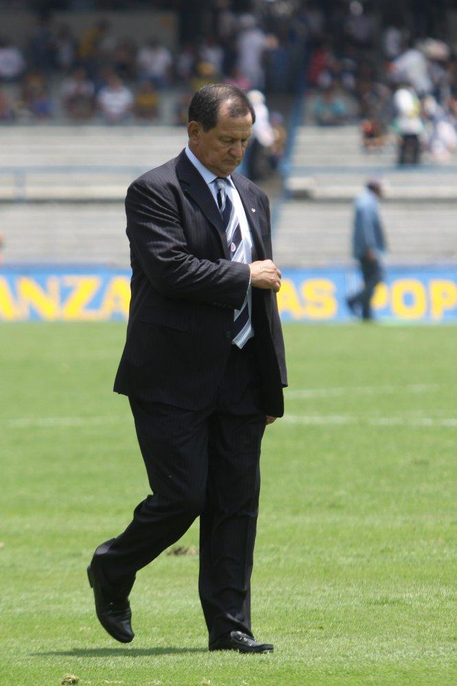 En aquel Apertura 2010, Enrique Meza dirigía al Cruz Azul, que en la Liguilla fue eliminado precisamente por los Pumas en la ronda de cuartos de final