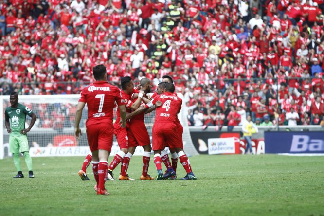 Toluca venció 2-1 a las Águilas con anotaciones de los argentinos Gabriel Hauche y Jesús Méndez