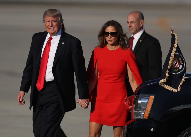 Trump hace otro gesto de desprecio a Melania