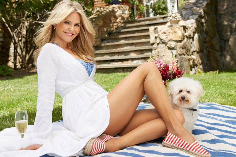 A sus 63 años, la modelo Christie Brinkley vuelve a ser portada de Sports Illustrated