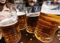 Compañía te paga por beber cerveza