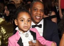 No te imaginas el precio del bolso que lució Blue Ivy en los Grammy