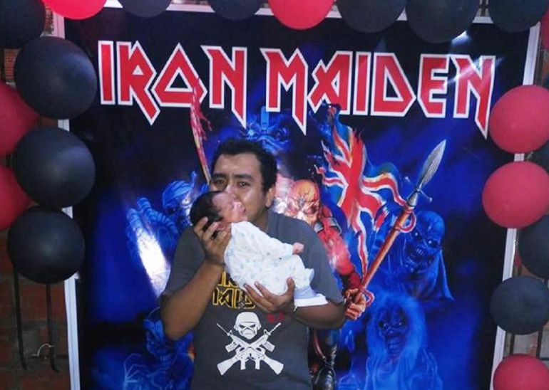 Fanático nombra a su hijo Iron Maiden