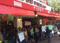 Transexuales denuncian discrminación en una pizzería de la CDMX